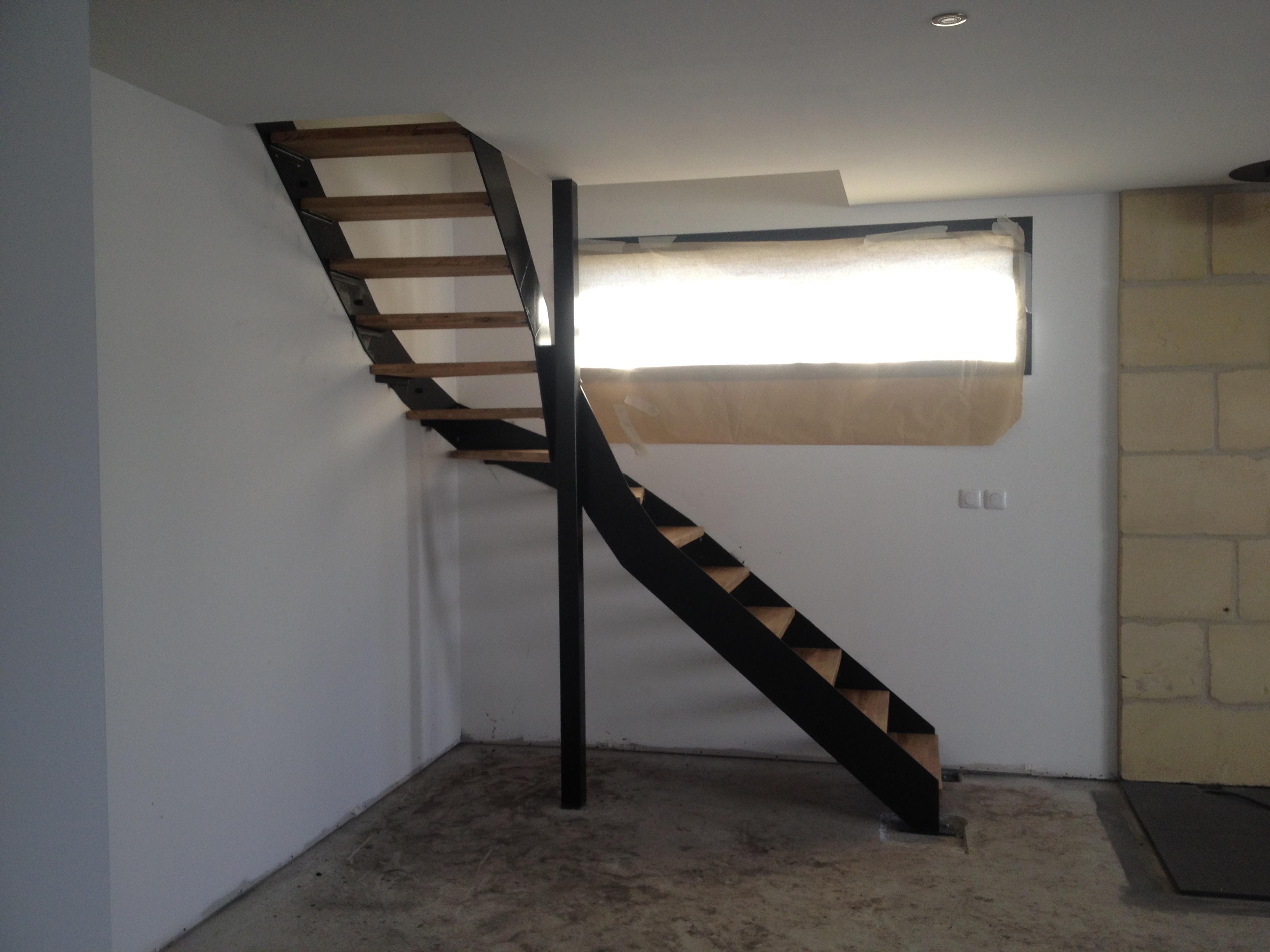 escalier balanc m tal bois m tallier bordeaux. Black Bedroom Furniture Sets. Home Design Ideas