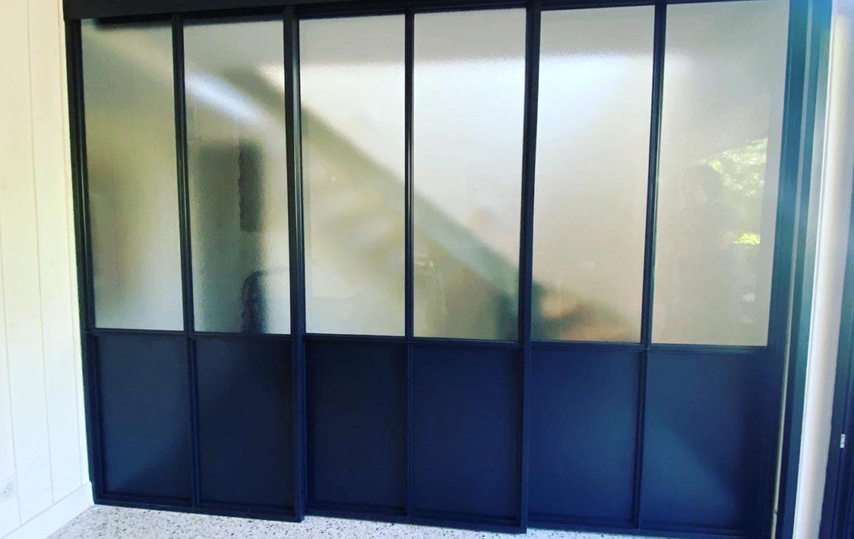 Portes coulissantes style verrière d'intérieur sur mesure