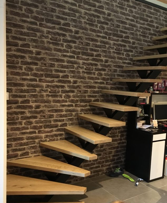 Escalier balancé métal & bois sur mesure.