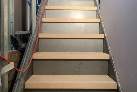 Escalier métal & bois