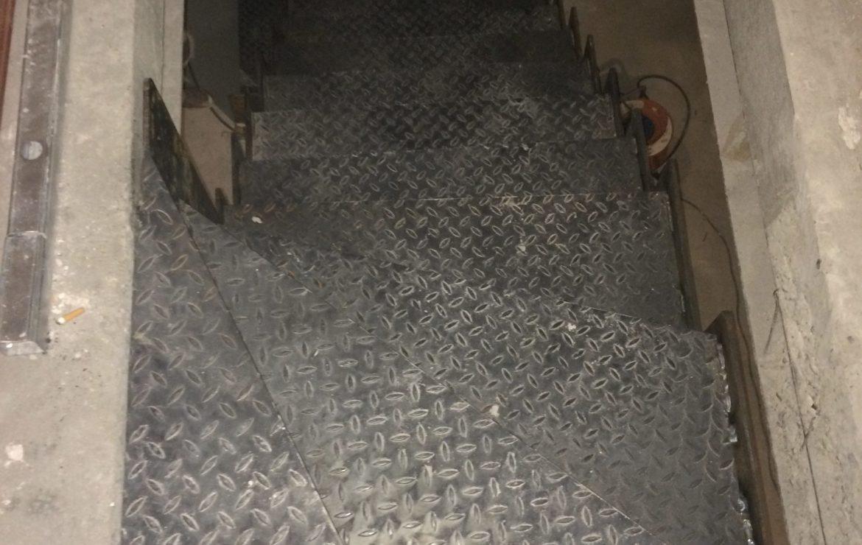 Escalier crémaillère en métal 2/4 tournant sur mesure