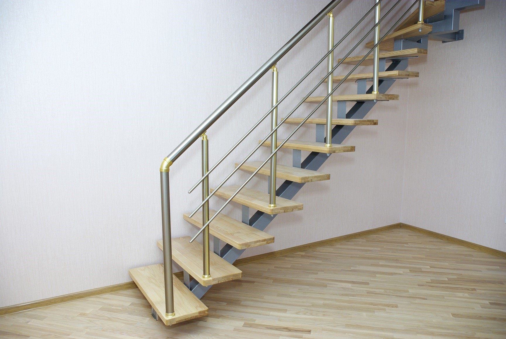 Escalier droit inox & bois.