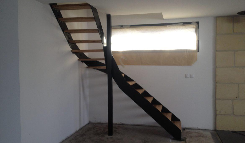 Escalier balancé métal & bois
