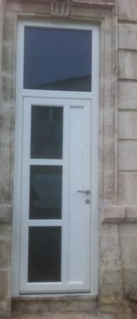 Porte Aluminium TH RT2012 avec imposte Ral 9010.
